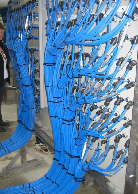 Reverse osmosis sampling station -- back